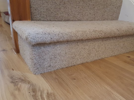 This right angle bull-nose fitted with Berber twist pile carpet near Yelverton in Devon. This was a small fitting job but we don't mind whether you have a large or small job for us. Call now!