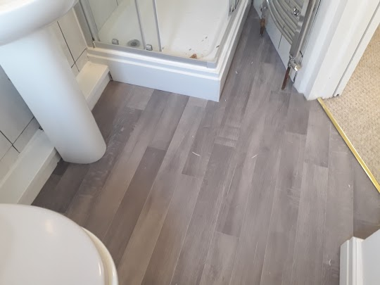 Often we have some very awkward areas to fit into. This is made even worse when we have to fit vinyl. This was fitted in Efford, Plymouth.