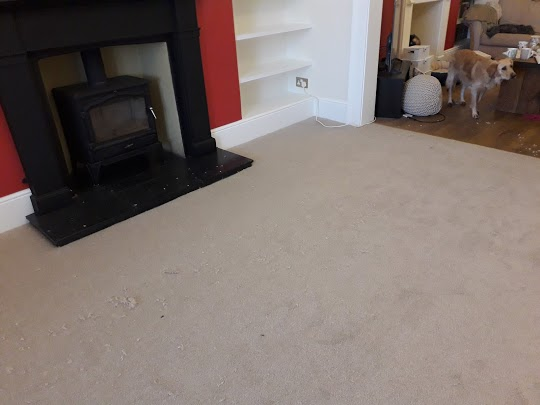 With Christmas coming its best to order your carpet early and book us for fitting ASAP. This is a very busy time of year for us but we always work on XMAS eve and in between XMAS and the new year.